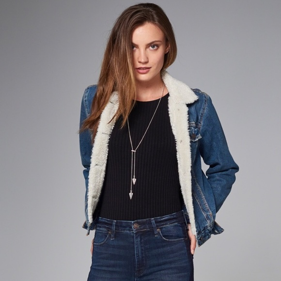 Abercrombie & Fitch Sherpa collar jean jacket